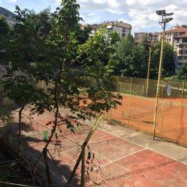 İPEKÇİLİK KOT 2 3+1 KOMBİLİ BAKIMLI tenis KORTLARINI GÖRÜYOR(onr)
